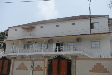 2 & 4 bedroom furnished apartment in kotu Gambia