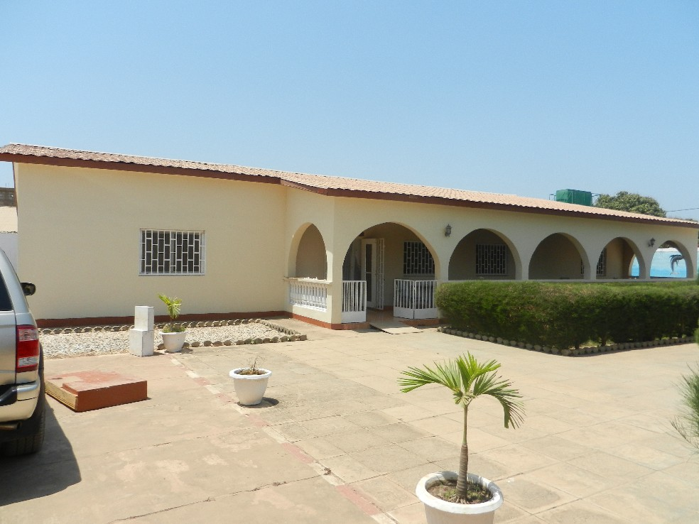 Villa with private pool in Jarbang Gambia