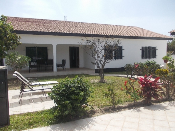 Beautiful 3 Bed Bungalow in Brufut for rent with pool