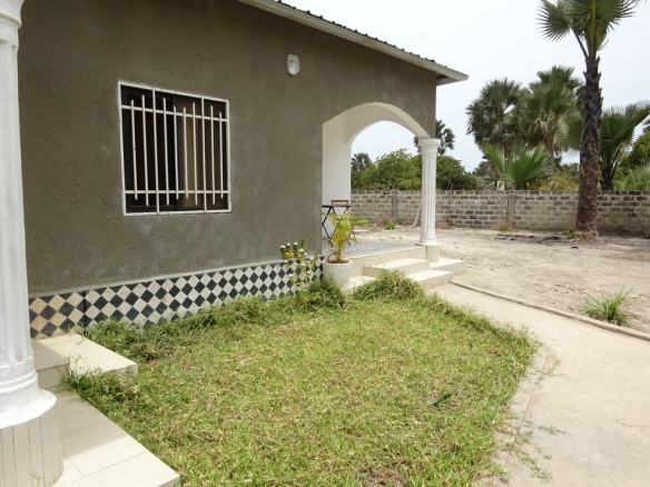 modern 3 bed bungalow in sanyang